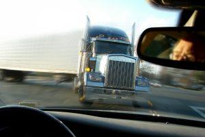 Aangereden door vrachtwagen